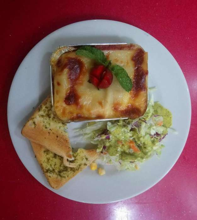 Se Solicita <strong>auxiliar</strong> de Cocina