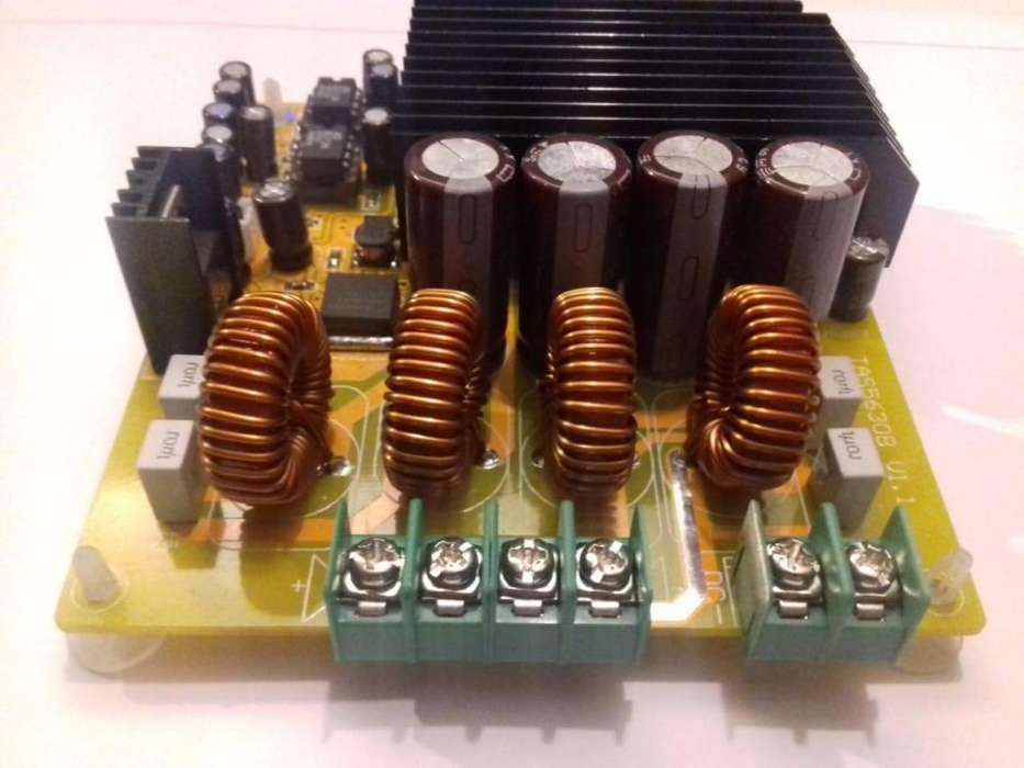 Amplificador clase D amplificador 300 W 300 W