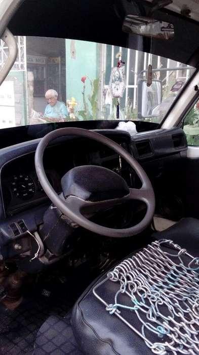 Nissan Urvan 1996 - 5428 km