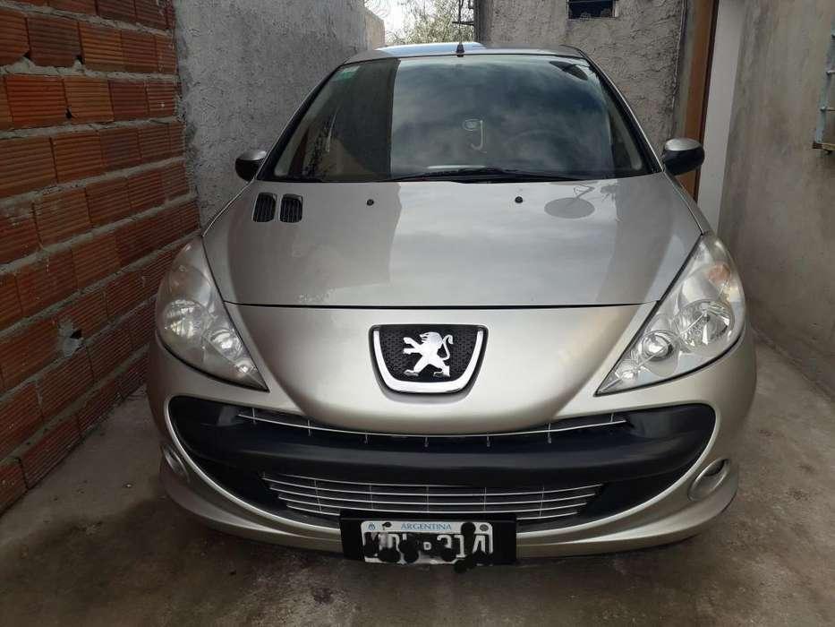 Peugeot 207 Compact 2011 - 117000 km