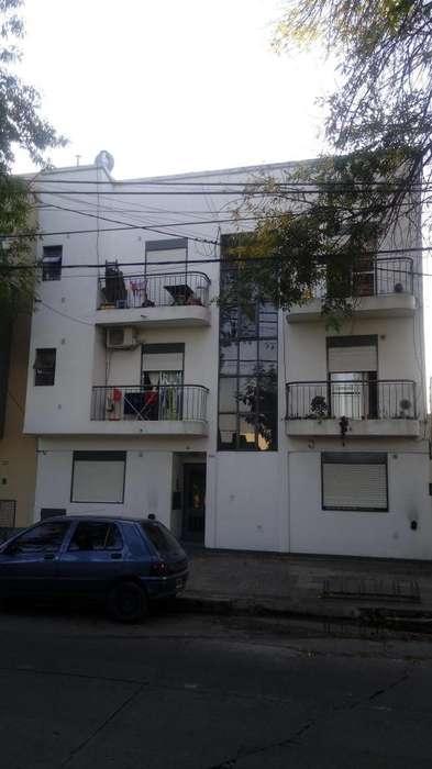 59 e/ 21 y 22 1 dormit c/ patio en Venta