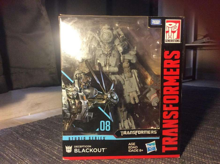 Clase lider Blackout transformers studio series 08