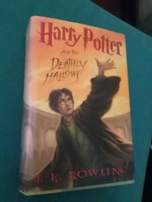 Harry Potter And The Deathly Hallows 7 . JK Rowling . Libro Scholastic en ingles Muy bueno tapa dura