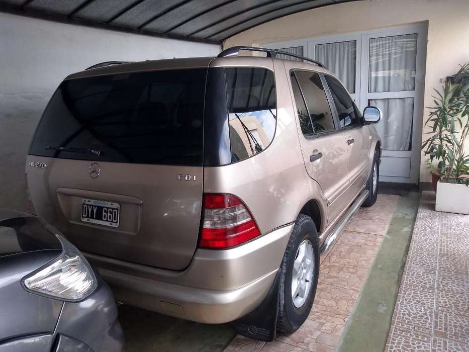 Mercedes-Benz ML 2002 - 150000 km