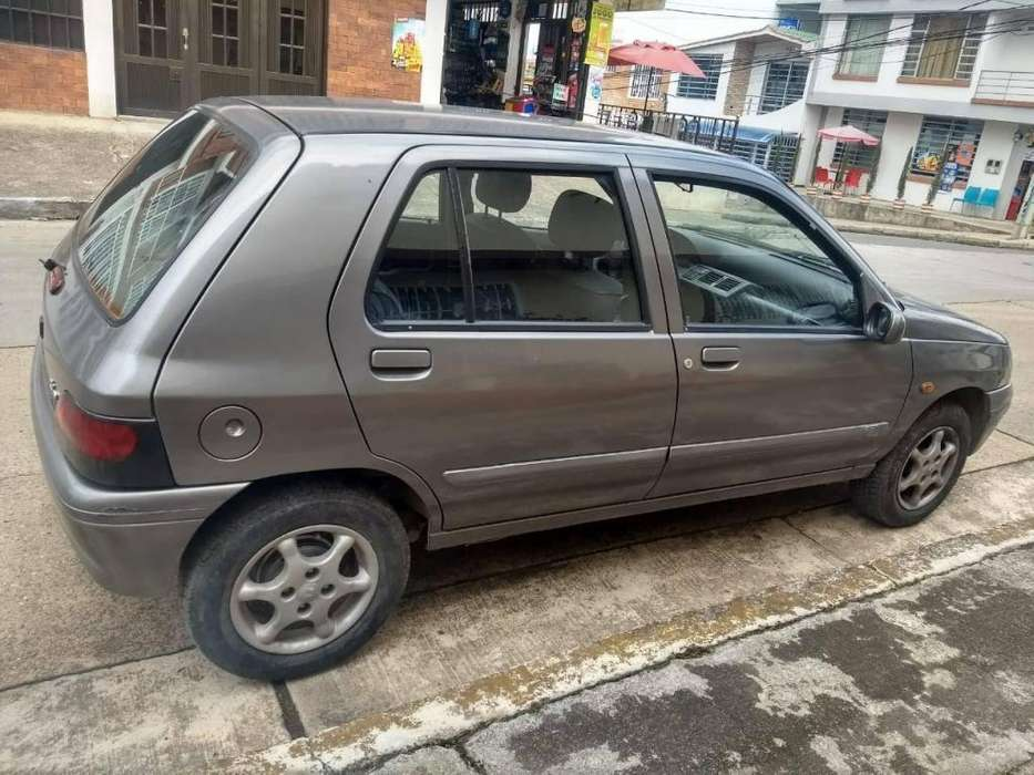 <strong>renault</strong> Clio  2000 - 170000 km