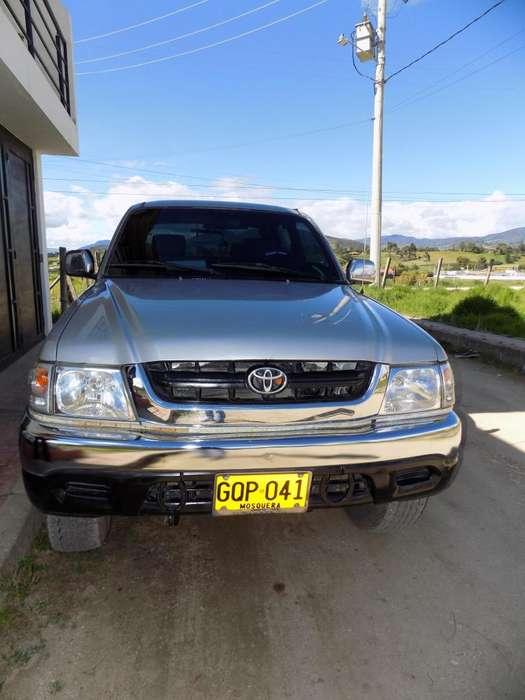 Toyota Hilux 2003 - 116800 km