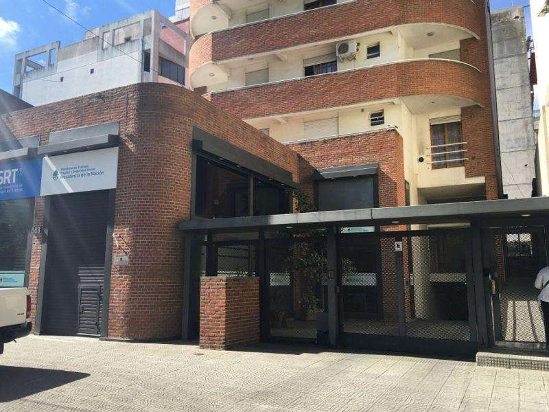 13 E/ 43 Y Plaza Paso 500 - Cochera - Predovan Propiedades