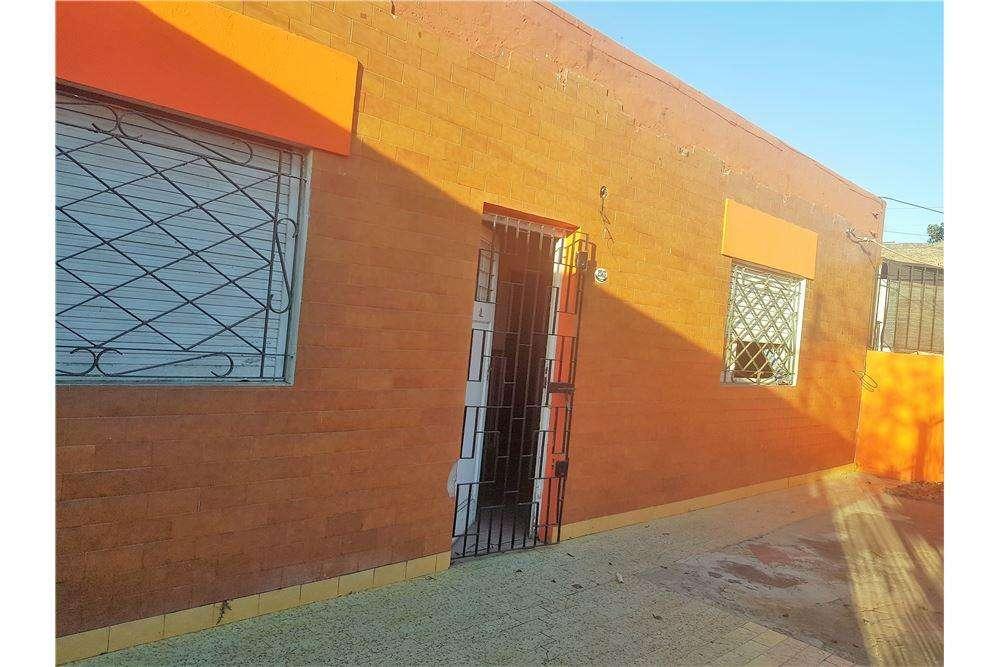 Casa en venta en Rafael Calzada con gran Parque