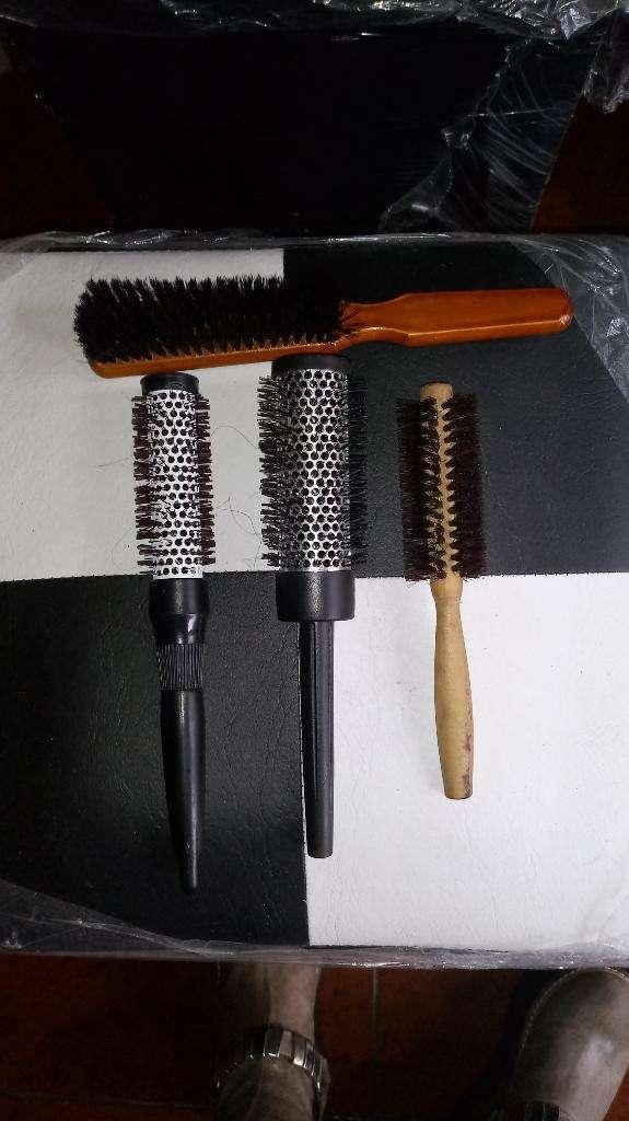 Vendo Cepillos para Brushing Y Peinados