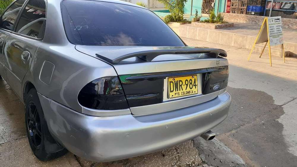 Ford Laser 1999 - 200000 km