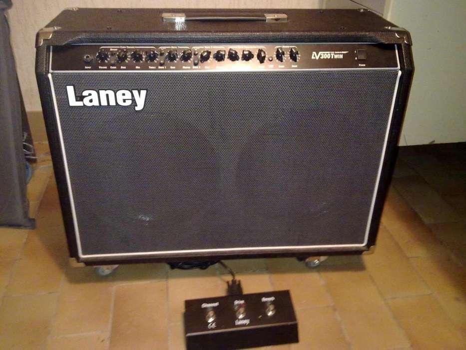Amplificador De Guitarra Laney Lv 300 Twin Pre Valvular