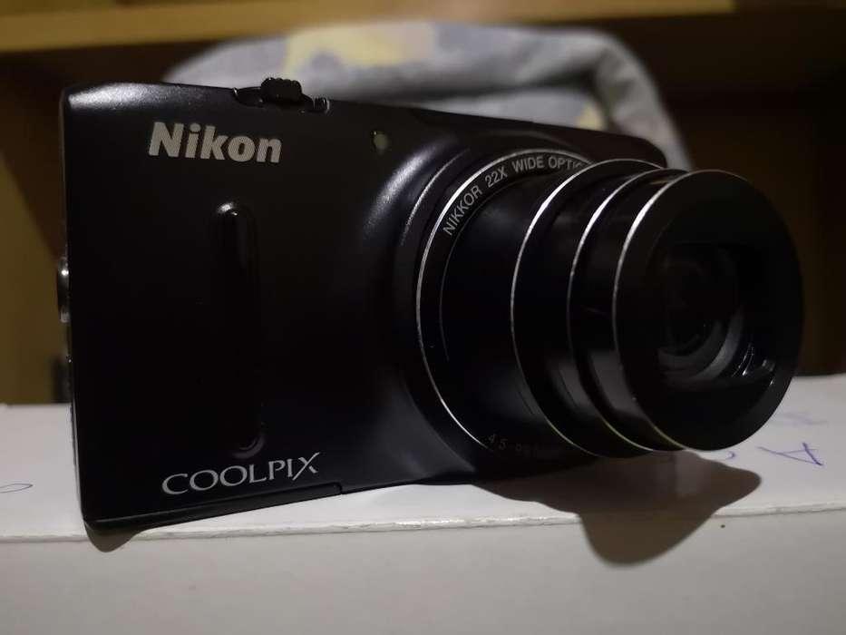 Vendo Cámara Seminueva Marca Nikon