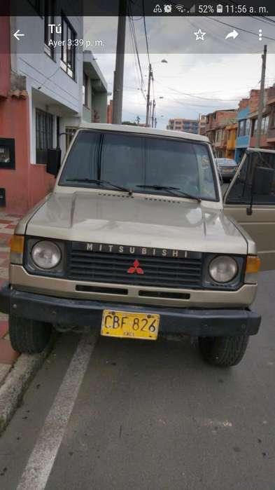 Mitsubishi Montero 1993 - 200000 km