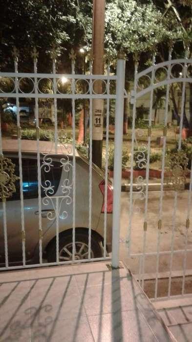 En Cartagena Arriendo casa primer piso