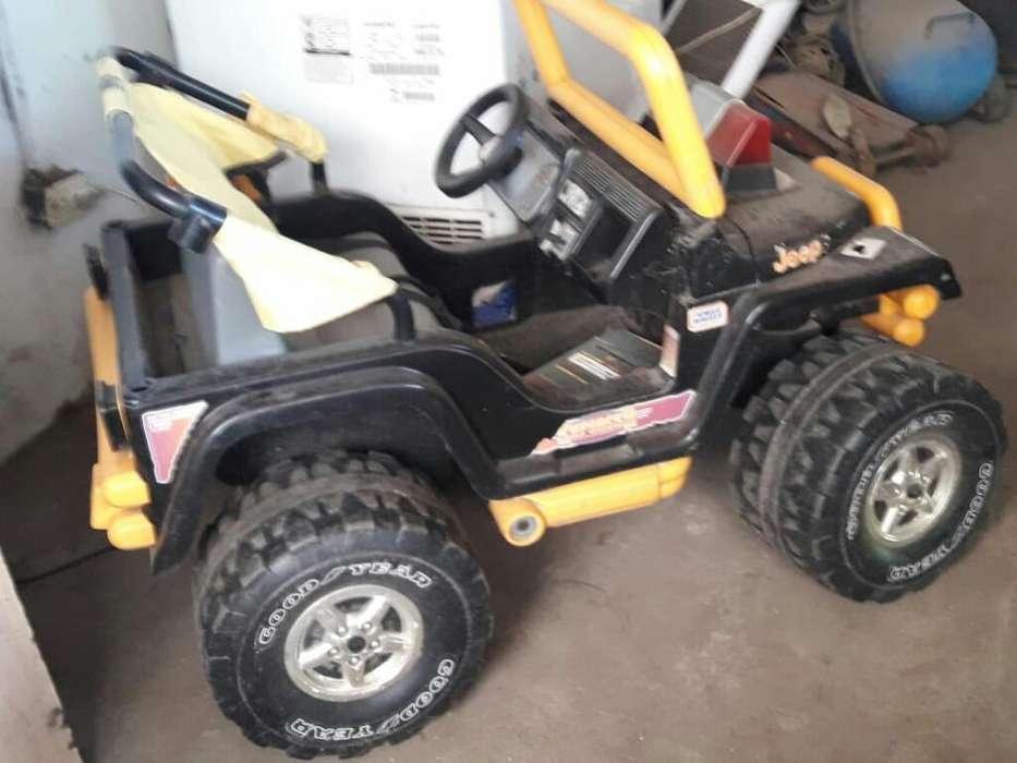 Jeep a Bateria