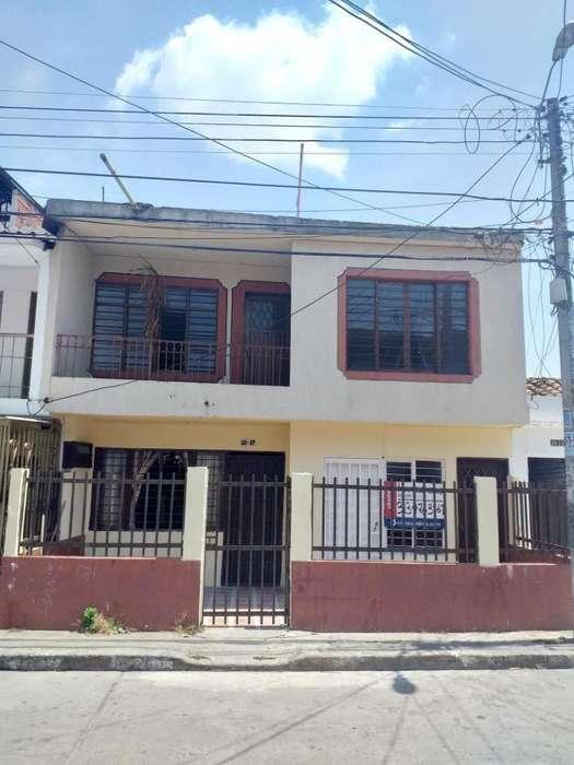 Casa En Venta En Cali La Independencia Cod. VBKWC-10403618