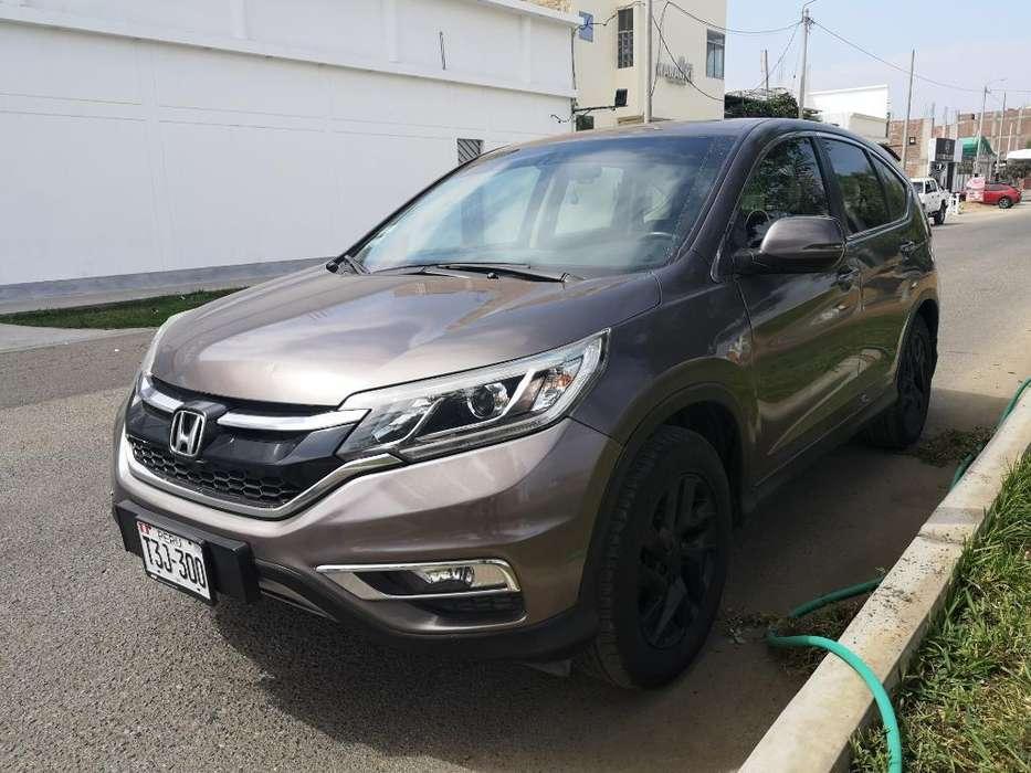 Honda CR-V 2015 - 52000 km