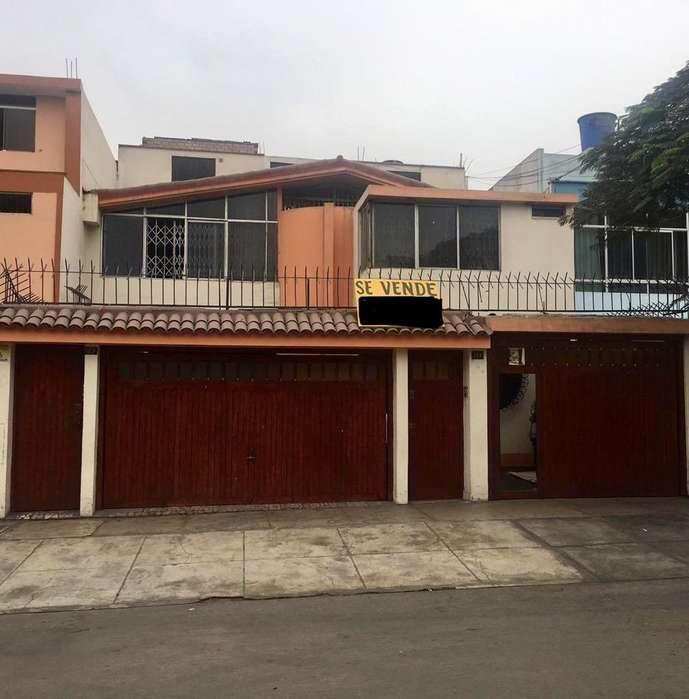 Casa en Venta - Santa Catalina