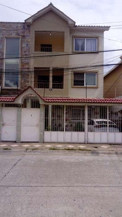 Casa Rentera en Venta, Acuarela del Rio, Norte de Guayaquil