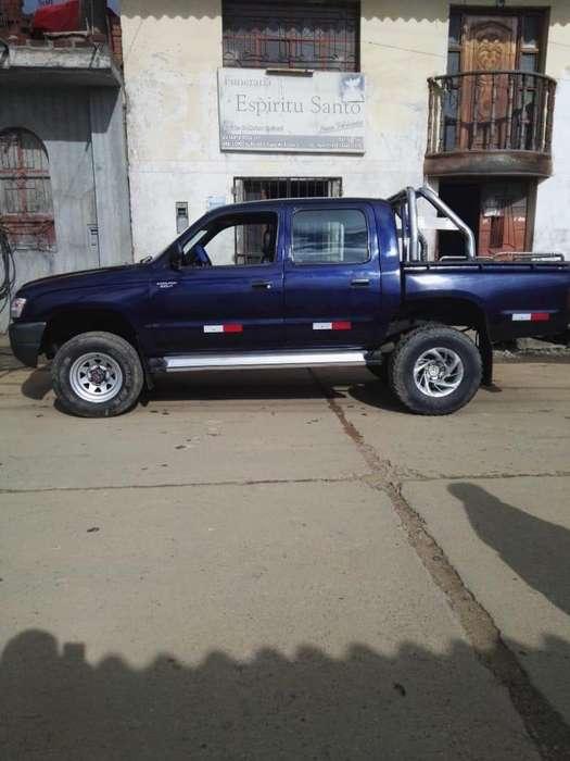 Toyota Hilux 2002 - 0 km