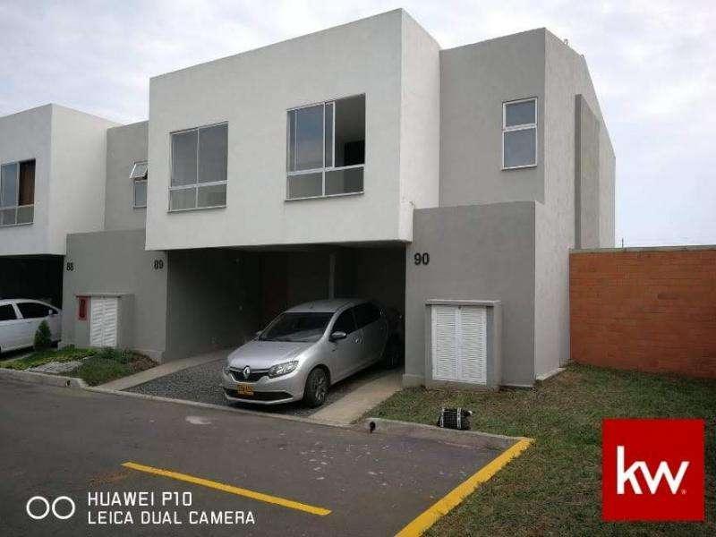 Cod. VBKWC-10402948 Casa En Venta En Jamundi Ciudad Country