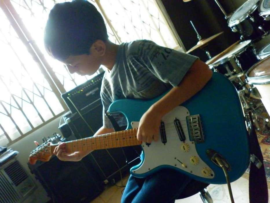 Clases De Guitarra Bajo Piano Bateria