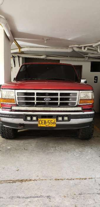 Ford Bronco 1995 - 80000 km