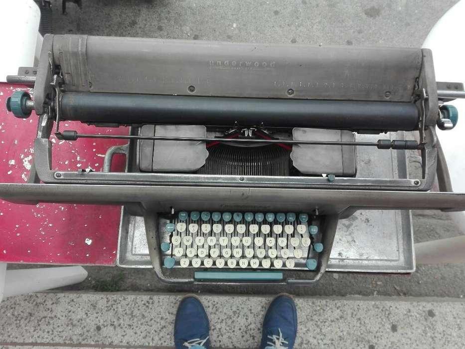 Antigüa Maquina de Escribir Underwood