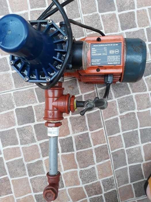 Bomba de Agua 1/2 Pulgada con Manómetro