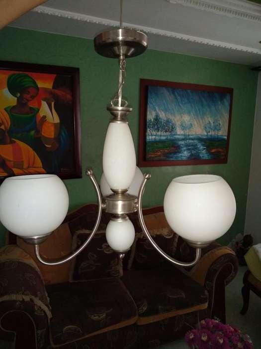 vendo preciosa lampara de techo, barata