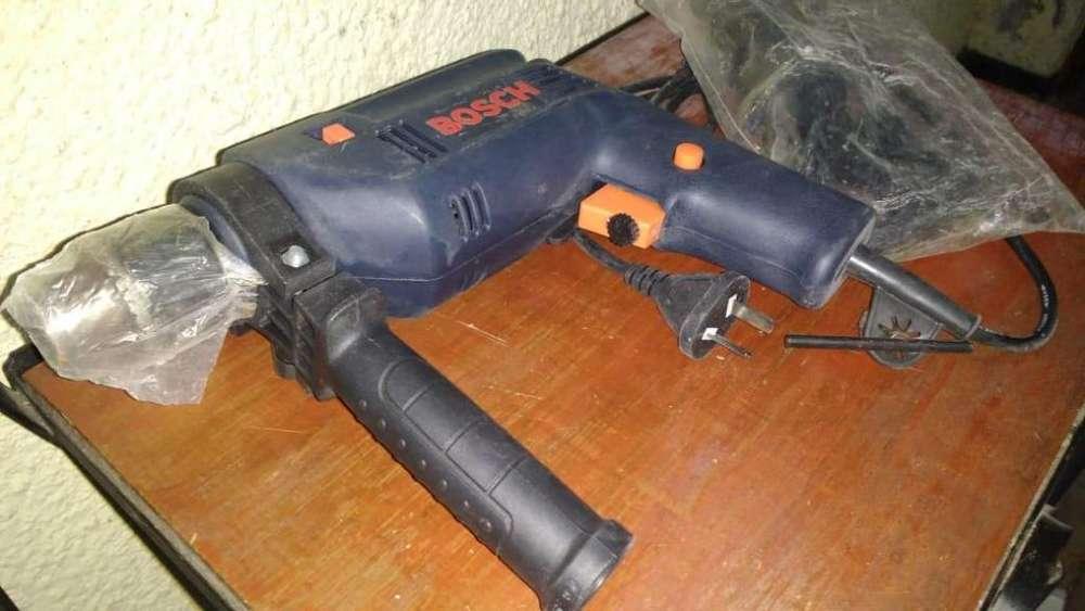 Taladro Percutor Bosch De 500 Watts Nuevo Sin Caja.