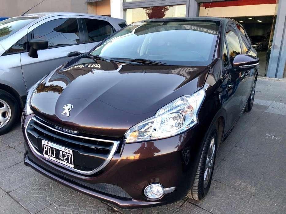 Peugeot 208 2015 - 59000 km