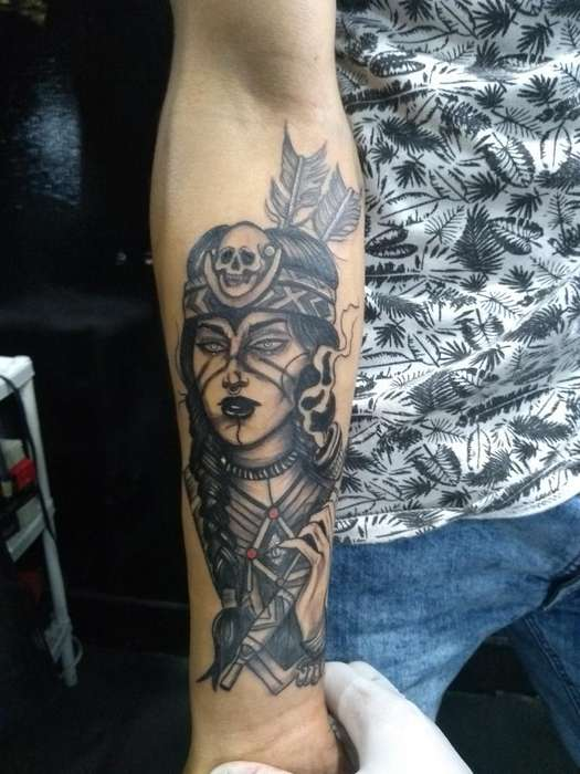 Realizo Tatuajes a Cambio de Tecnologia