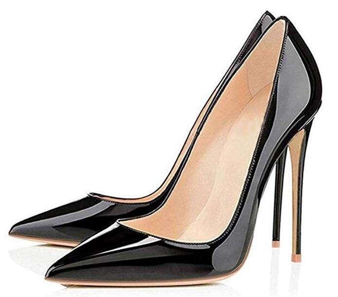Elisabet Tang. Zapatos de tacón alto, puntiagudos, para oficina o toda ocasión