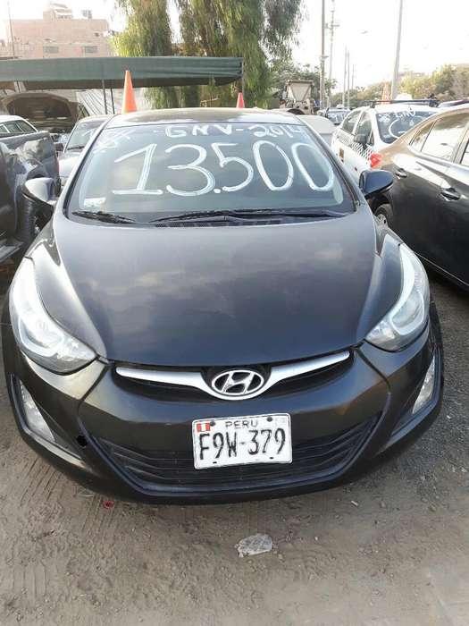 Hyundai Elantra 2014 - 100 km