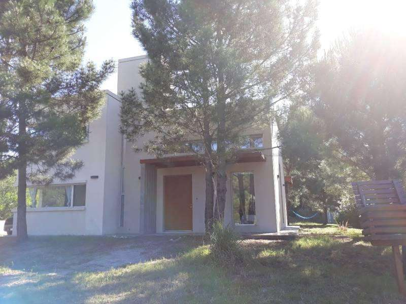 Casa de alquiler temporal en area Residencial cod. 9757