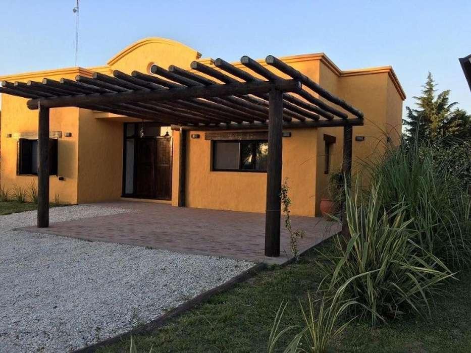 Casa 2 dormitorios Country Pueblo Esther