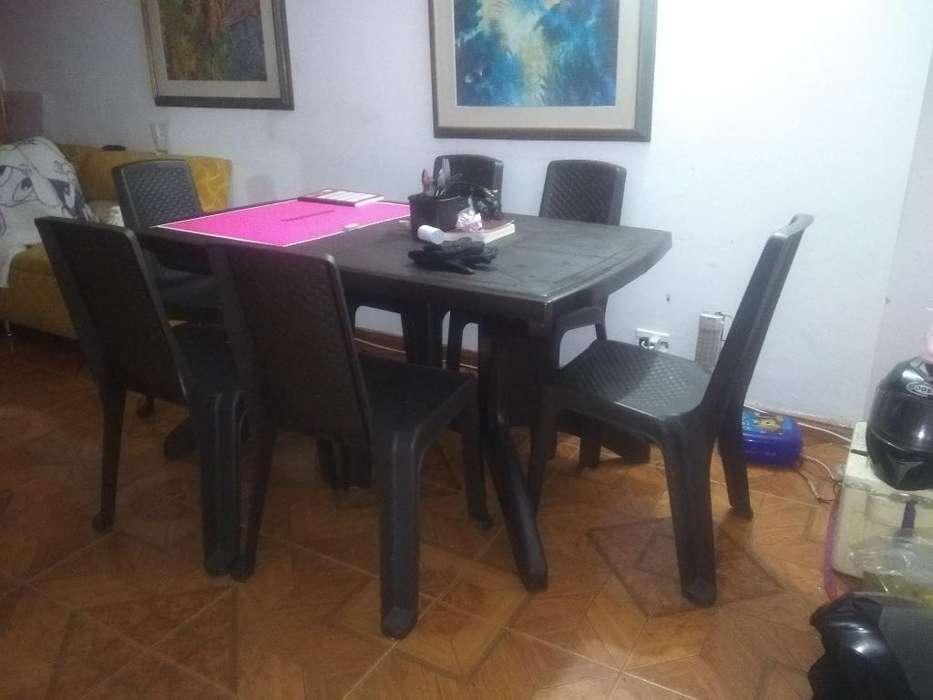 Mesa de <strong>comedor</strong>