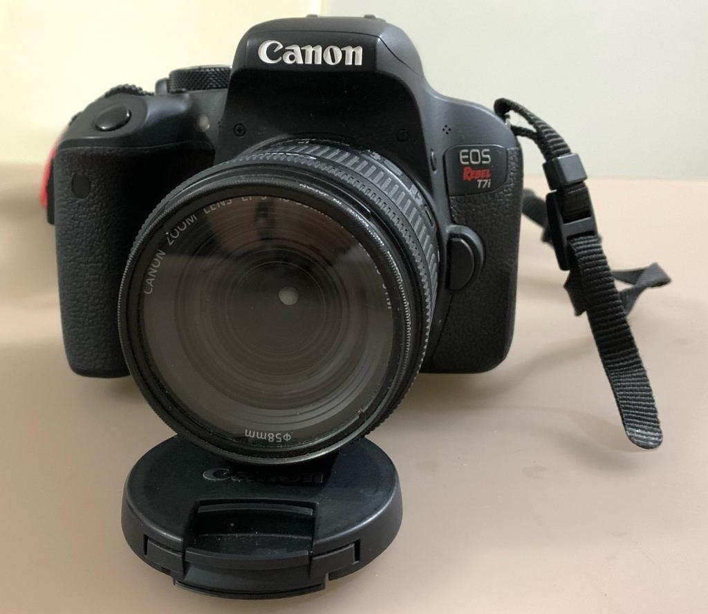 Camara Canon T7i Perfecta con Estuche
