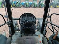 Tractor Agrícola NEW HOLLAND TL85