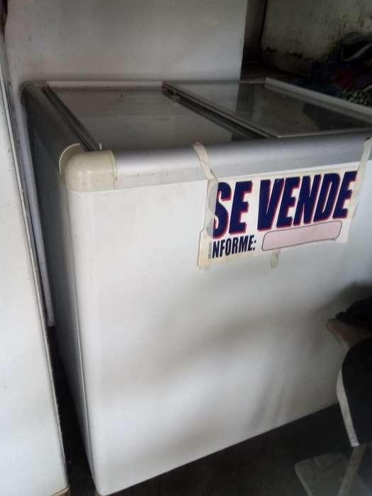 <strong>congelador</strong> Blanco con Luces