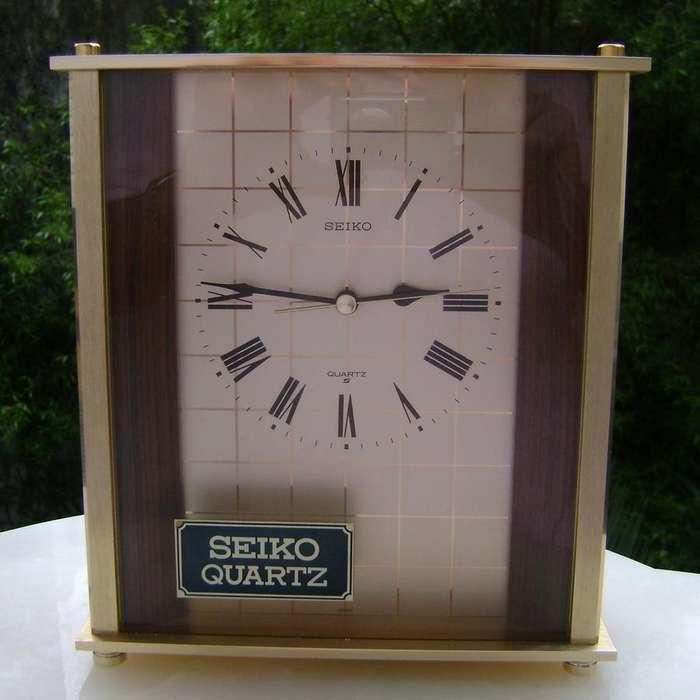 Elegante Reloj Seiko de mesa bronce jaspeado y bruñido / Maxim Nord