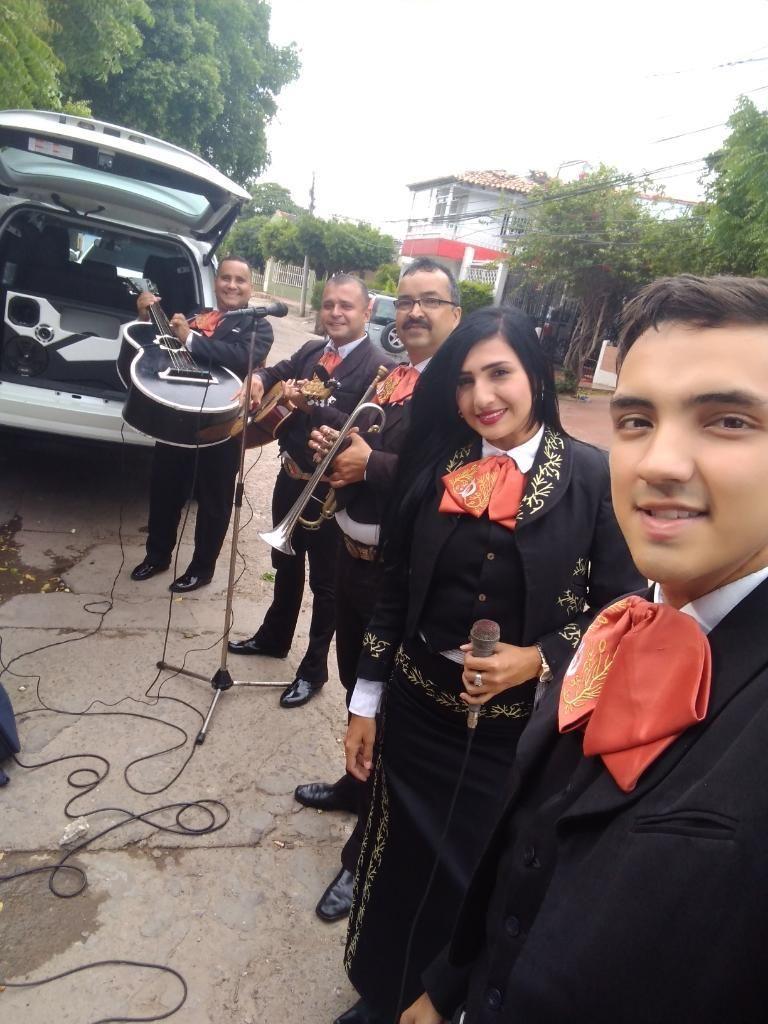 Alejandra Y Su Mariachi Dorados