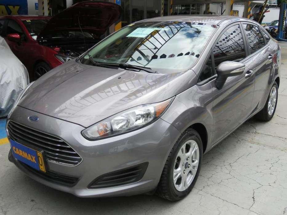 Ford Fiesta  2014 - 52400 km