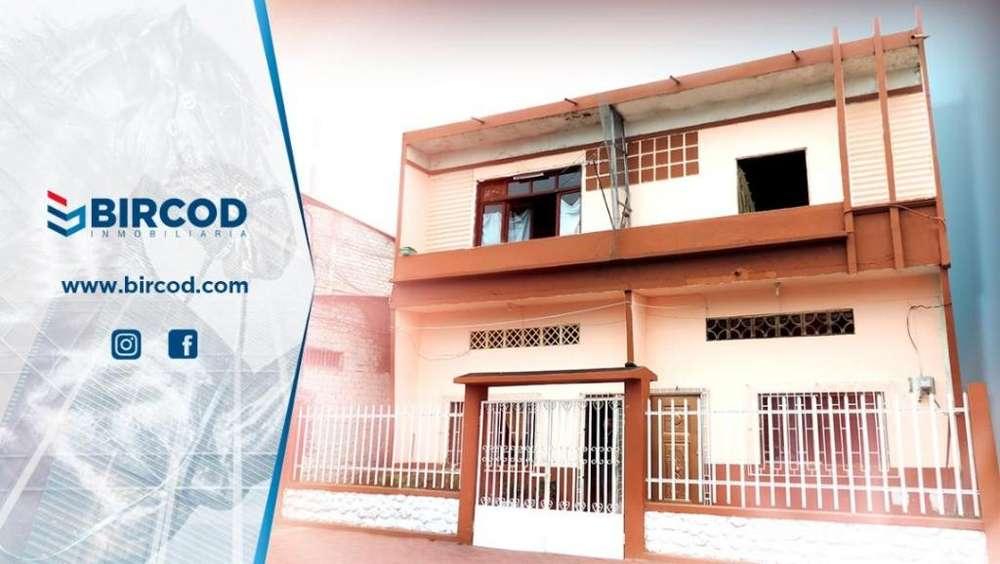 Venta Casa con Terreno 1100m2, en el Centro de Machala, Avenida Bolívar diagonal 23 de Abril y Buenavista