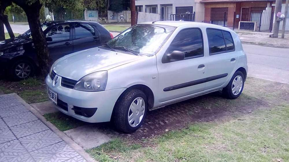 Renault Clio  2007 - 140000 km