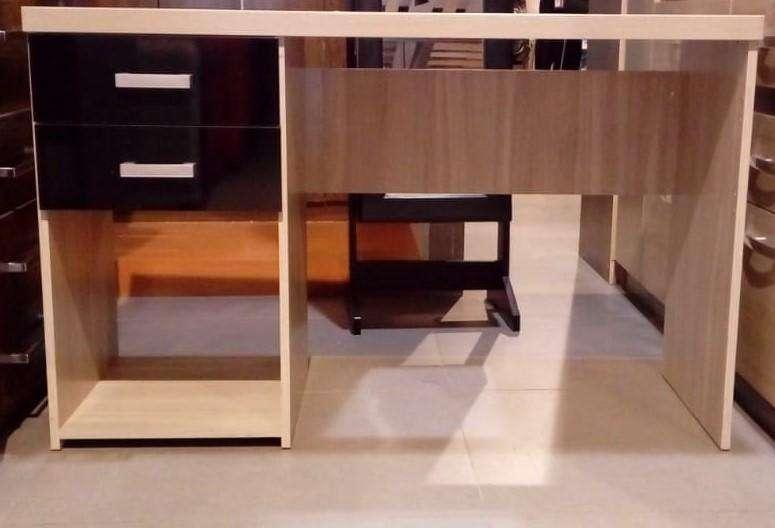 VENDO JUEGO DE <strong>escritorio</strong> CON ESTANTE