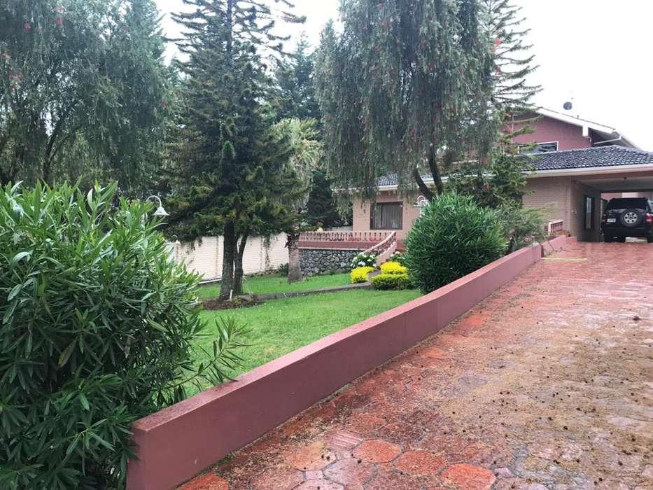 C453 Propiedad con amplios espacios verdes en Venta, Sectot Ordoñez Lasso