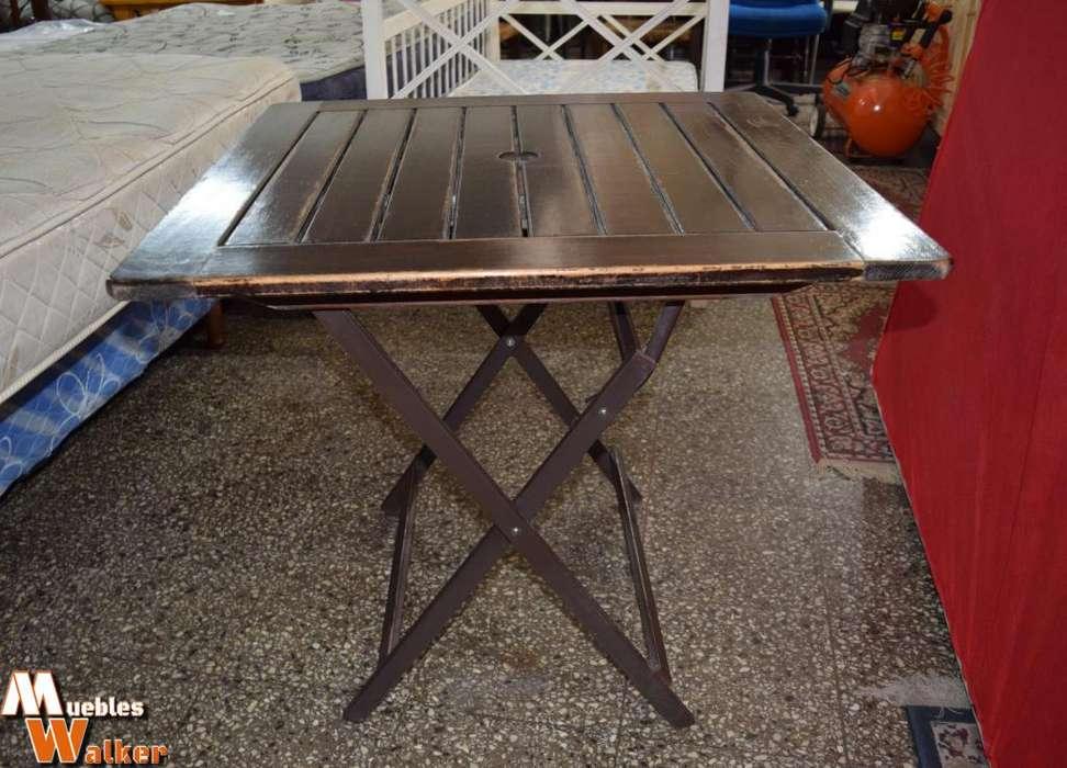 <strong>mesas</strong> plegables con tapa de madera lustrada