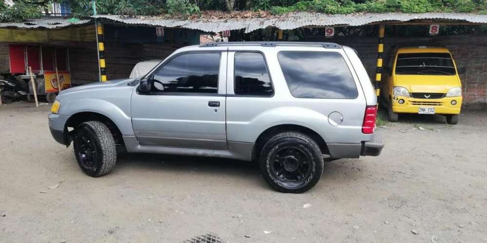 Ford Explorer 2002 - 294000 km